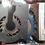 kurz między wentylatorem, a radiatorem powodujący przegrzewanie się laptopa